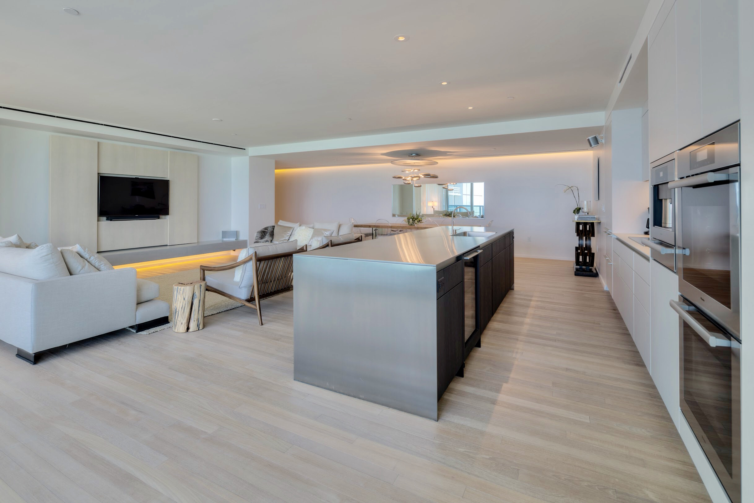 Awesome 3 Bedroom Luxury Condo Beachfront Luxury Condo Miami Download Free Architecture Designs Intelgarnamadebymaigaardcom